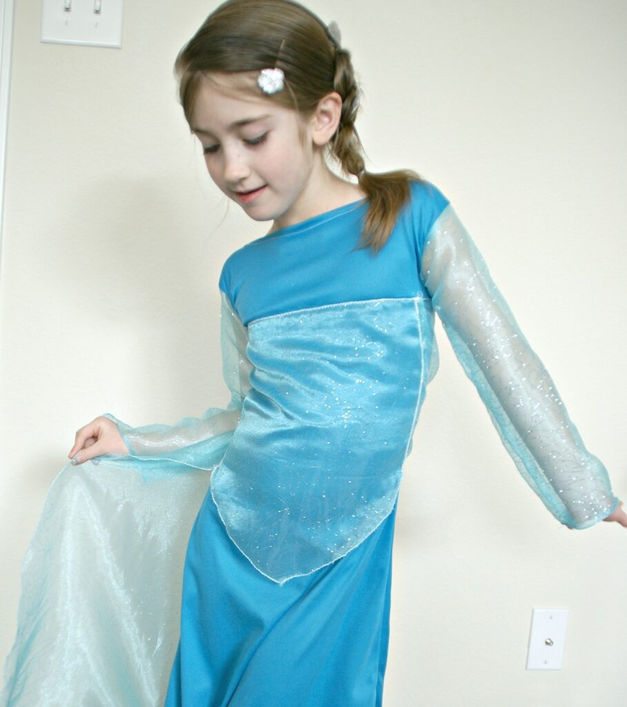 Disney's Frozen Inspired Elsa Dress / Busy Mom's Helper