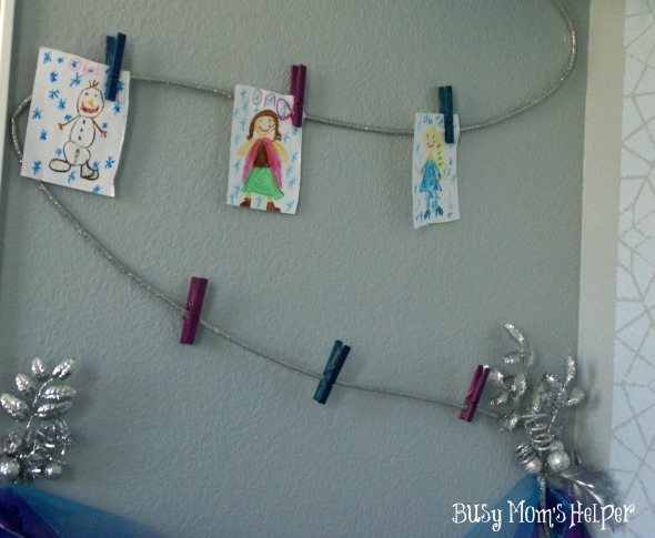 Bedroom Art Wall: Frozen themed / by www.BusyMomsHelper.com #FROZEN #artwall #bedroom #kidsroom