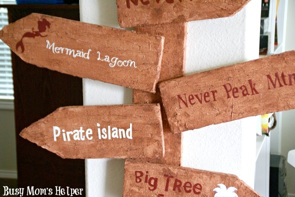 DIY Pirate Sign on a Budget / by www.BusyMomsHelper.com #pirates #boyrooms #partydecor #floracraft #styrofoam