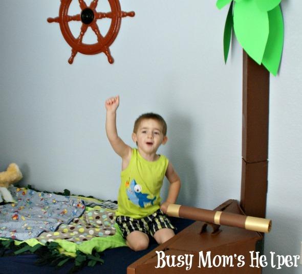 DIY Pirate Ship Bed / by www.BusyMomsHelper.com #boysroom #remodel #boybed #pirates