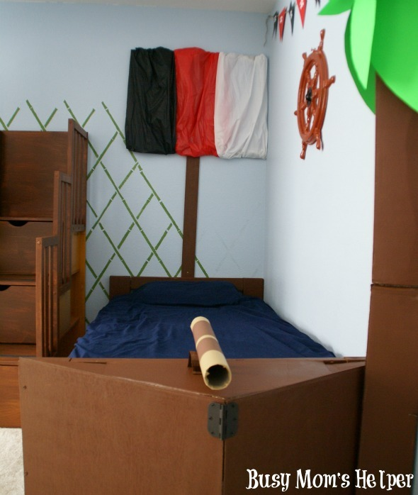 DIY Pirate Ship Bed / By Www.BusyMomsHelper.com #boysroom #remodel #