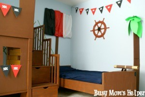 DIY Pirate Ship Bed