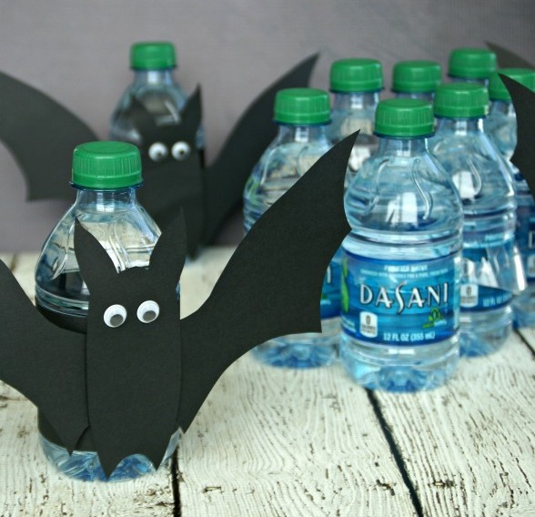 Two Ingredient Fanta Cake & Dasani Bats / by Busy Mom's Helper #SpookySnacks #Shop #Printable #Recipe