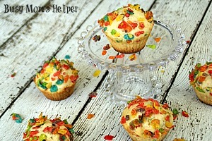 Fruity Pebbles Muffins / by Busy Mom's Helper #muffins #breakfast #cereal