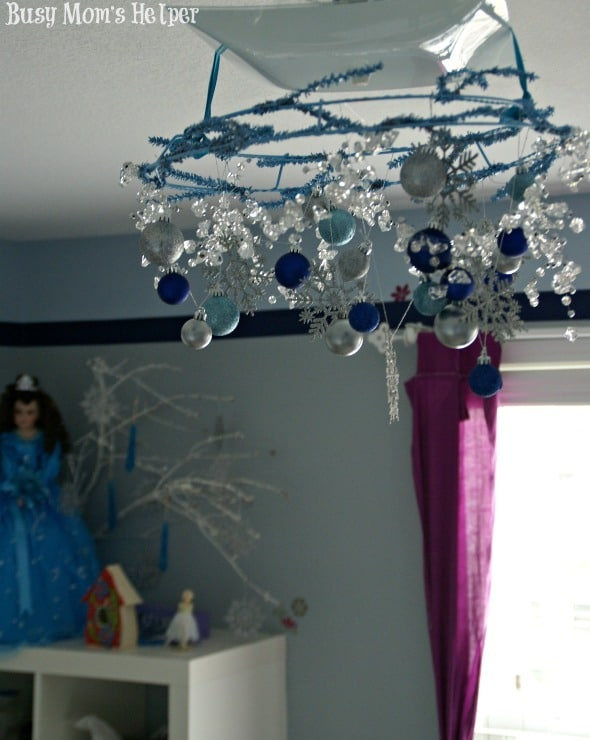 Make Your Own Frozen Chandelier / by Busy Mom's Helper #Frozen #Craft #Decor