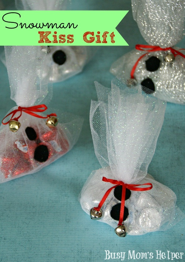 Snowman Kiss Gift / by Busy Mom's Helper for MadeToBeAMomma #gift #holidays #snowman #kisses