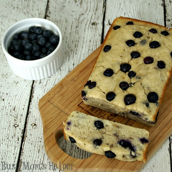Ummy Nummy Blueberry Banana Bread / by Busy Mom's Helper #blueberries #bananabread #IC #LittleChanges #sponsored