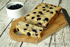 Ummy Nummy Blueberry Banana Bread