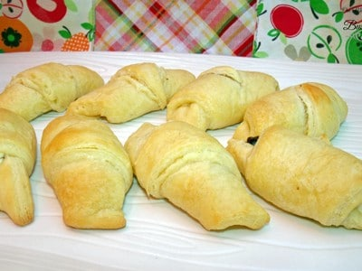 3 Ingredient Chocolate Crescents | One Mama's Daily Drama for Busy Mom's Helper