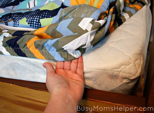 How to Win the Bed-Making Fight / by Busy Mom's Helper / Ad / Parenting Tips