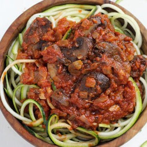 Healthy Spiralized Zucchini Noodles with Mushroom Marinara