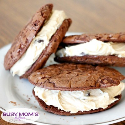 Tried and True: Chocolate Peanut Butter Sandwich Cookies / recipe by LemonsforLulu.com / tested by BusyMomsHelper.com