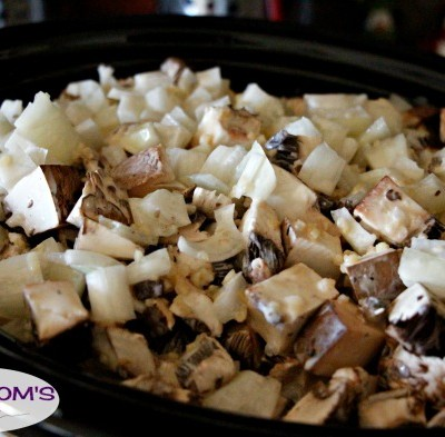 Slow Cooker Chicken Marsala / by BusyMomsHelper.com