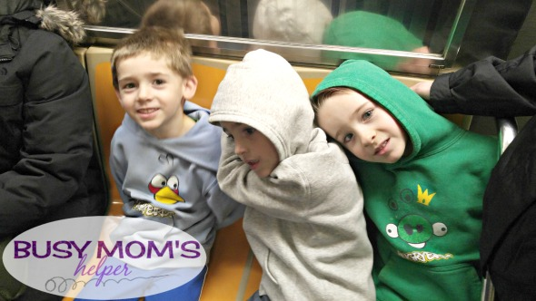 5 Things You NEED to Know Before Taking Kids to NYC / by BusyMomsHelper.com / Traveling tips for parents / traveling to NYC with kids