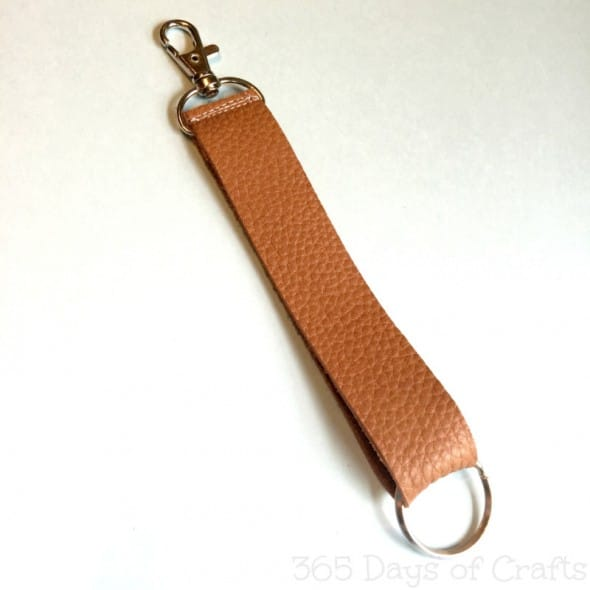 leather-keychain-gifts-for-guys-800x800
