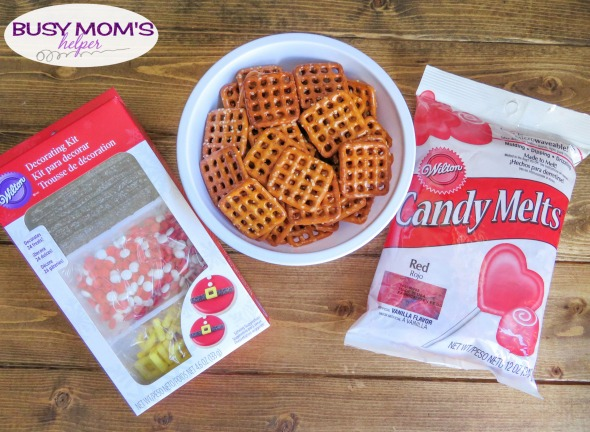 Santa Snacks / a fun Santa Coat Treat that's easy to make for the holidays