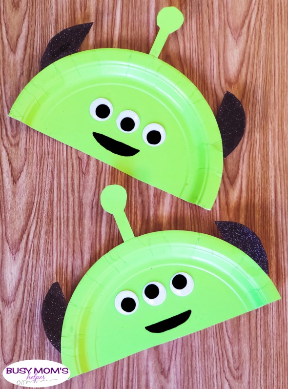 Toy Story Alien Craft #toystory #disney #kidcraft #disneycraft #aliencraft #disneydiy #toystoryland #alien